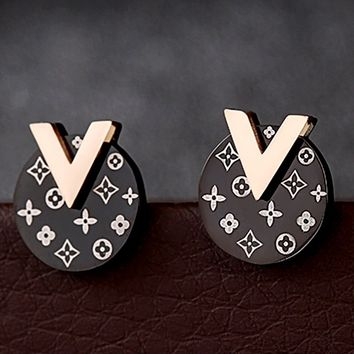 LV temperament wild female earrings