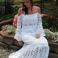 BOHEMIAN Wedding Dress - Vintage - LACE - Open Back - Backless - White - Bell Sleeve - Outdoor - Beach - Hippie - BOHO Gown