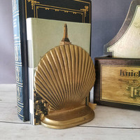 Vintage brass clam bookend/ Clam bookend/Brass Clam Shell/ Nautical Decor/ library decor/ brass book end/ Beach Cottage/ Brass Sea Shell