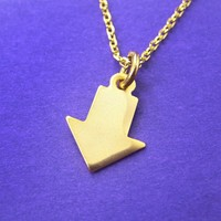 Simple Arrow Shaped Charm Pendant Necklace in Gold | DOTOLY