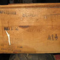 1950s    NEW yORK  State  industrial   dove tailed shipping  cheese crate box