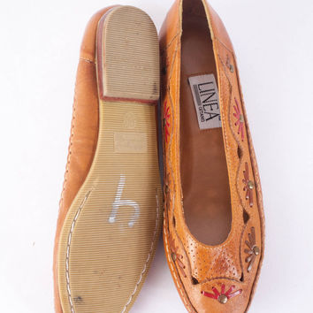 1990s Ethnic Boho Flats, Vintage 80s Shoes, Leather Ballet Flats, Brown Leather Flats, Bohemian Cut Out Leather Shoes, Soft Grunge Clothing