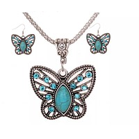 Coordinated Auger Turquoise Earring and Necklace Set