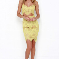 Star of the Stage Yellow Lace Two-Piece Dress