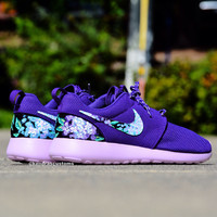 Roshe custom lilac womens hand painted purple roshes size 8 and 8.5 nike rosherun shoes