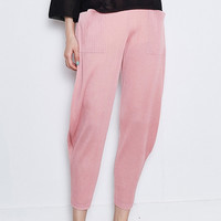 Balloon Shaped Pleated Crop Pant