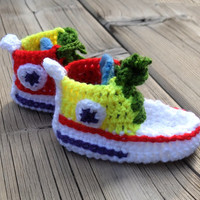 Baby booties Crochet baby sneakers Baby shoes Newborn Converse style Crochet baby socks Baby boy shoes Baby girl shoes Colorful Rainbow Gift