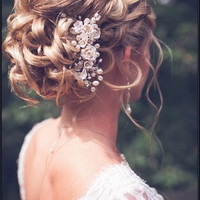Bridal hair comb. Ivory flower/ pearl hair comb. Wedding hair comb. Pearl flower hair comb.