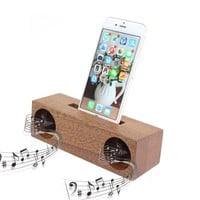 Innovative Bamboo Mobile Phone Sound Amplifier Stand Holder Cell Phone Stand With Sound Amplifier
