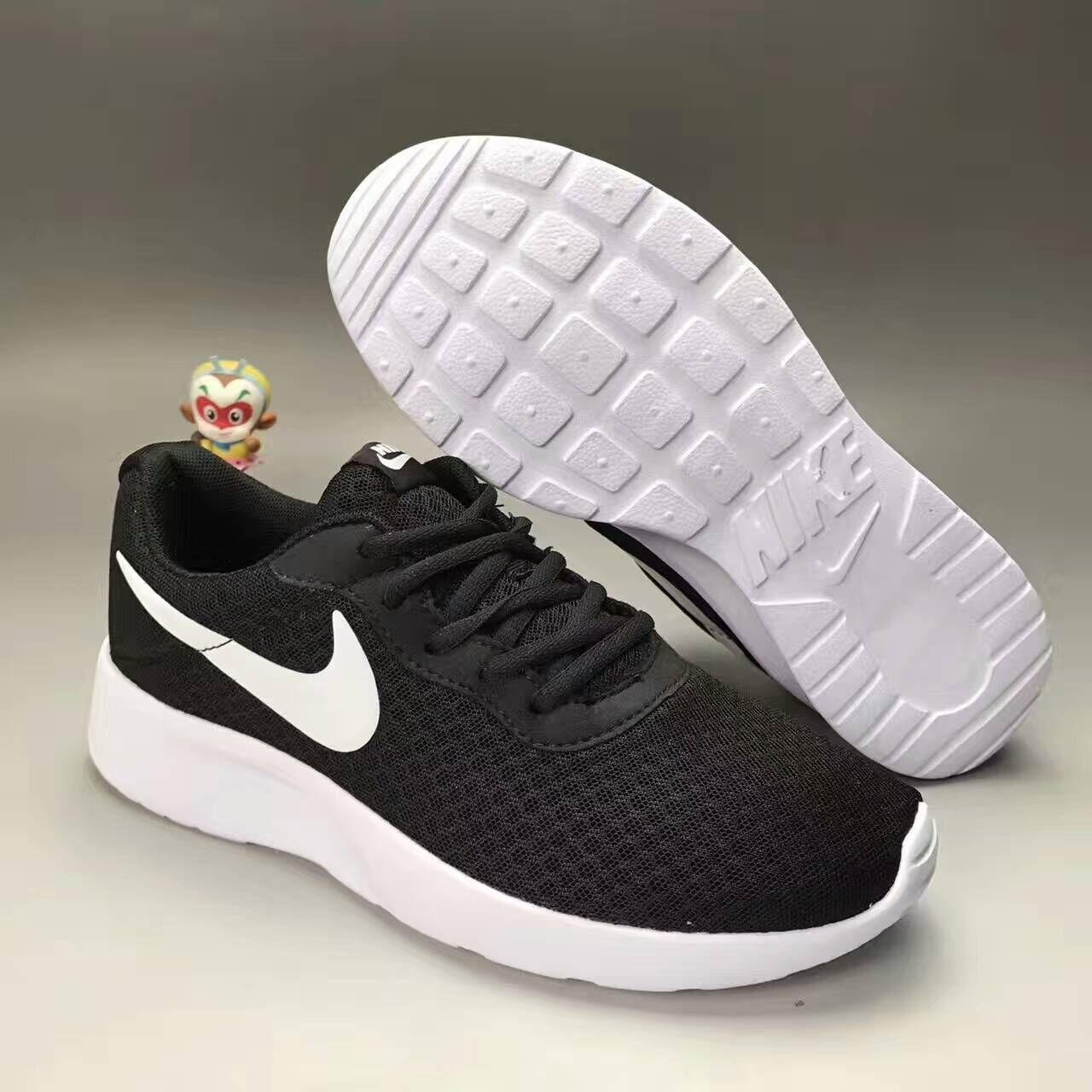 """Image of """"NIKE"""" Fashion Casual Stitching Breathable Net Unisex Ultra-light Sneakers Couple Running Shoes"""