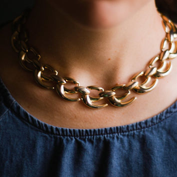 Gold vintage choker collar necklace, signed wm, mid century collar 1960s, 1970s, large heavy curved links edgy short bib statement necklace