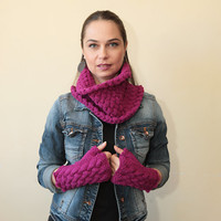 Hand Knit Fingerless Gloves and a Cowl Scarf Set of Pure Wool in Fuchsia by Solandia Orchid Magenta knitting accessories winter fashion