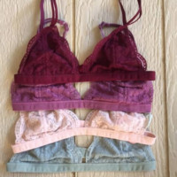 Mona Scalloped Lace Bralette in Burgandy