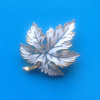 Gold and White Enamelled Leaf Brooch/Signed Trifari/ Autumn Pin/ Scarf Pin/Mothers Day Gift - 1980's