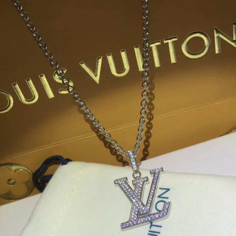 Image of LV Woman Fashion Logo Plated Diamond Necklace For Best Gift