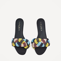 SLIDES WITH BEADED KNOT