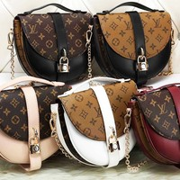 Louis vuitton LV  sells fashionable women's print matching color cross small shoulder bag