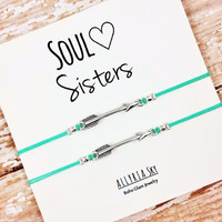 """Set of Two Silver or Gold Charm Friendship Bracelets with """"Soul Sisters"""" Card 