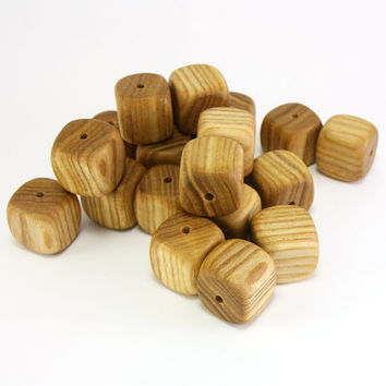 Square ash wood beads - 0.7in (18mm) - Natural handmade beads - Set of 20 wooden beads