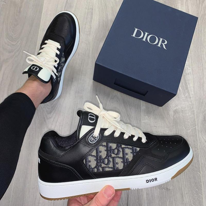 Image of DIOR Fashion and leisure Fancy sneakers