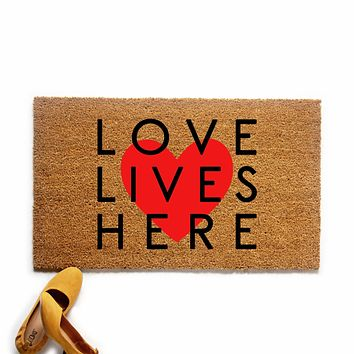 Love Lives Here Valentine's Day Doormat