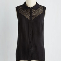 French Mid-length Sleeveless Winsome in the Willows Top in Black