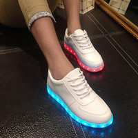 Lightning Shoes Round-toe Low-cut Flat Casual LED Lights [4964953156]
