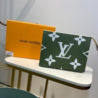 Kuyou Lv Louis Vuitton Gb1978 M67691 Monogram Flower Green Pouch Xl 26.0 X 20.0 X 5.0 Cm