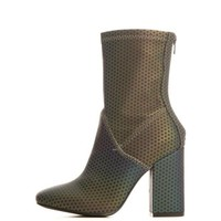 DCCKLP2 Y.R.U. for Women: Diive Reflective Heel Boots