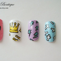 Fake Nail Set  - Pastel Pink, Blue, Purple, Yellow, and White Nails With Cross, Heart, Diamond, Lightning, and Crown Print