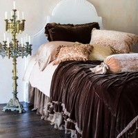 Cottage Chic | Bella Notte | Beds | Layers of Loulah
