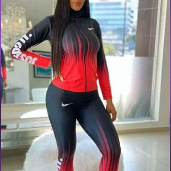 NIKE new women's temperament fashion printing two-piece suit