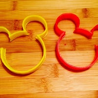 Disney Mickey Mouse Cookie/Sandwich Cutter-Special