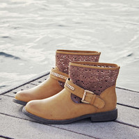 Northern Meadow Lace Boots