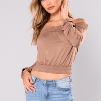 Jamie Lee Off Shoulder Top - Mocha