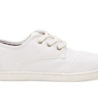 White Canvas Youth Paseos