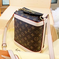 Louis Vuitton LV Popular Women Shopping Bag Leather Shoulder Bag Crossbody Satchel