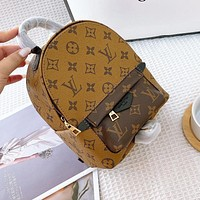 LV Louis Vuitton classic shoulders Portable dual-use bag with low quality brown