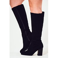 Walking Towards You Boots: Black