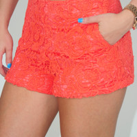 Free To Roam Shorts: Coral