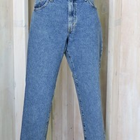 Vintage Levis 550 jeans 30 X 29 / size 7 / 8 / Levis  mom jeans  / high waisted tapered leg / classic relaxed fit / peg leg jeans