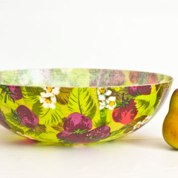 LARGE Mid Century Fiberglass Salad Bowl, 14 Inch Fiber Glass MCM Serving Bowl, Hawaiian Style 1960s Berry Banana Leaf Print