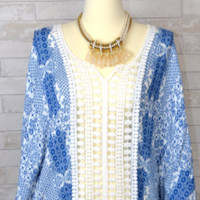 Love Stitch Floral Motif Lace Panel Kimono Sleeve Top-Blue