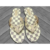 LV 2019 new women's models wild wear beach slipping feet flat sandals white check
