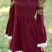 Solid Lace Splicing Flare Sleeve Casual Dress