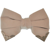 Bow with Collar Tips