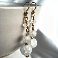 Ice flake / crackle quartz & gold dangling earrings. Elegant everyday jewelry in white crystal. Hypo-allergenic