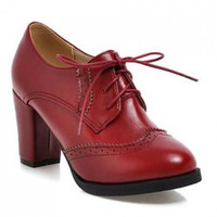 Vintage Engraving and Chunky Heel Design Women's Pumps