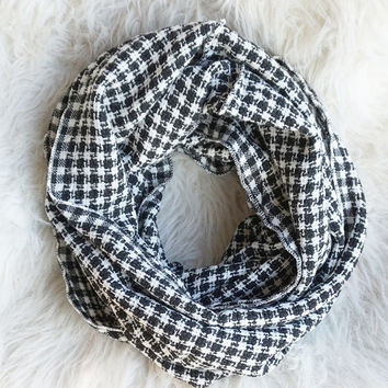 Checkered Scarf, Houndstooth Scarf, Infinity Scarf, Hooded Scarf, Black and White Infinity Scarf, Blanket Scarf