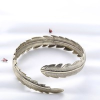 Feather Shaped Arm Cuff